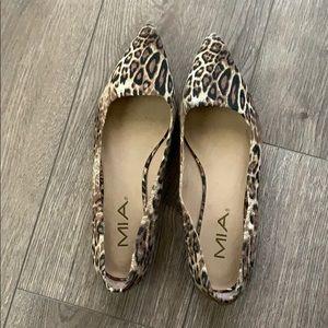 Size 6 cheetah slip-ons!